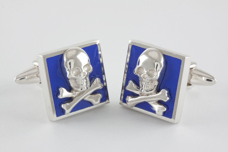 skull bones manschettenkn pfe blau handgefertigt aus. Black Bedroom Furniture Sets. Home Design Ideas